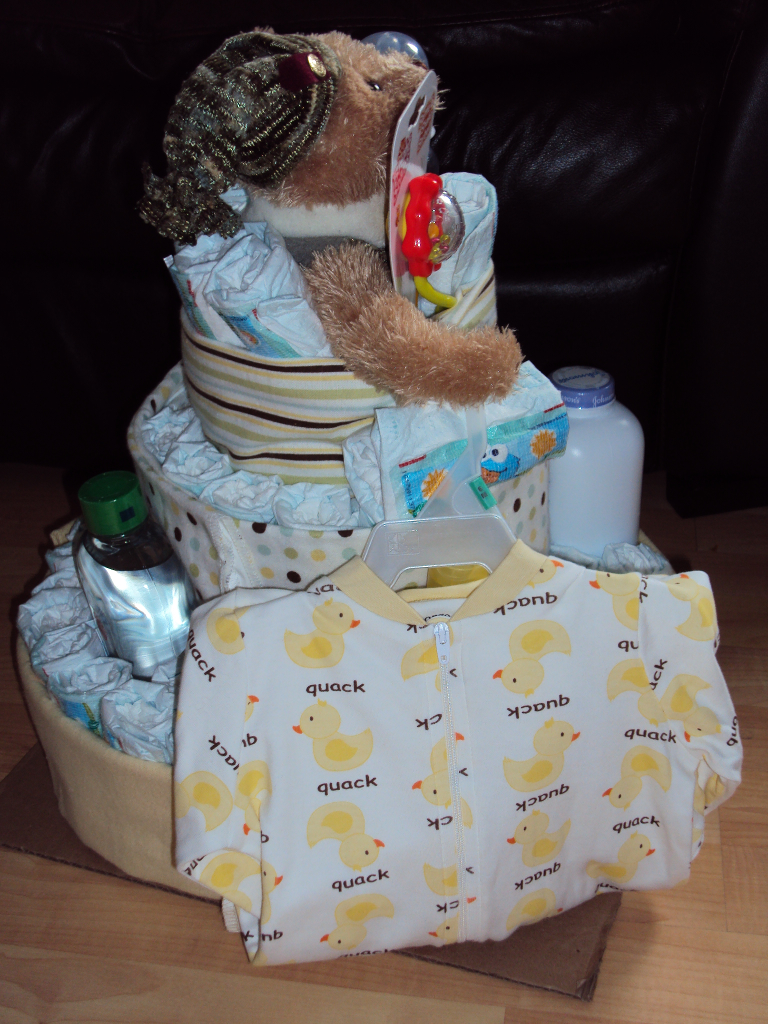 Diapers Cake And Pregnant Women Nic Naks Amp Delicious Things